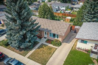 Photo 2: 3806 Diefenbaker Drive in Saskatoon: Confederation Park Residential for sale : MLS®# SK864052