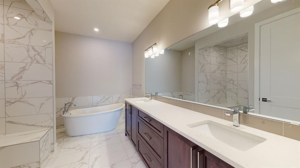 Photo 31: Photos: 38 Crestridge Bay SW in Calgary: Crestmont Row/Townhouse for sale : MLS®# A1073636