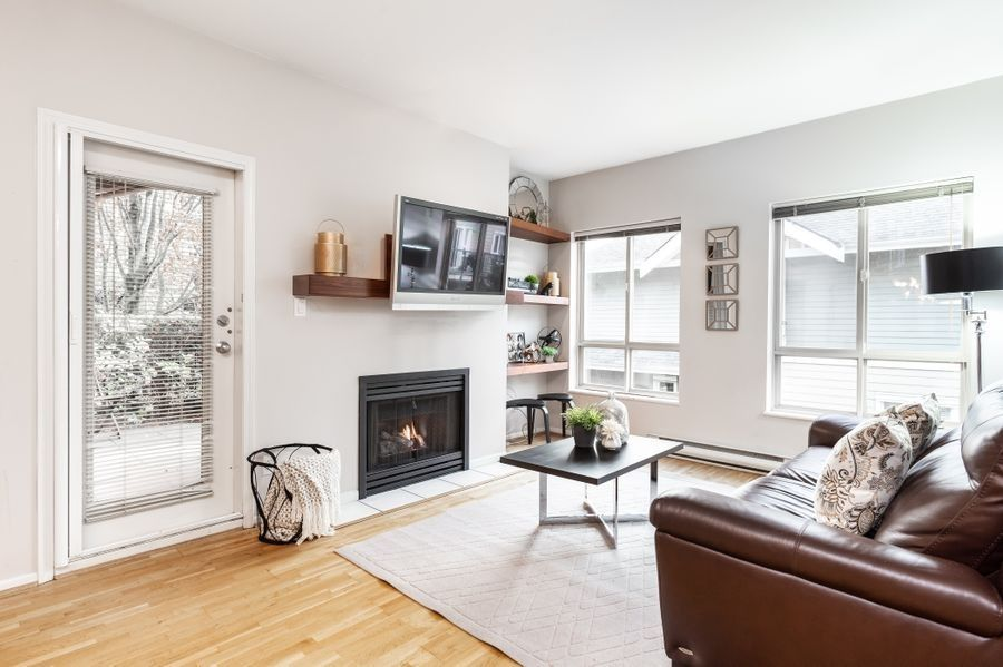 """Main Photo: 106 150 W 22ND Street in North Vancouver: Central Lonsdale Condo for sale in """"The Sierra"""" : MLS®# R2418794"""