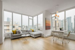 """Photo 2: PH2401 1010 RICHARDS Street in Vancouver: Yaletown Condo for sale in """"THE GALLERY"""" (Vancouver West)  : MLS®# R2498796"""