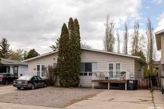 Photo 2: 315-317 Coppermine Crescent in Saskatoon: River Heights SA Residential for sale : MLS®# SK854898