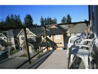 Photo 9: 302 2220 Sooke Rd in VICTORIA: Co Hatley Park Condo for sale (Colwood)  : MLS®# 482680