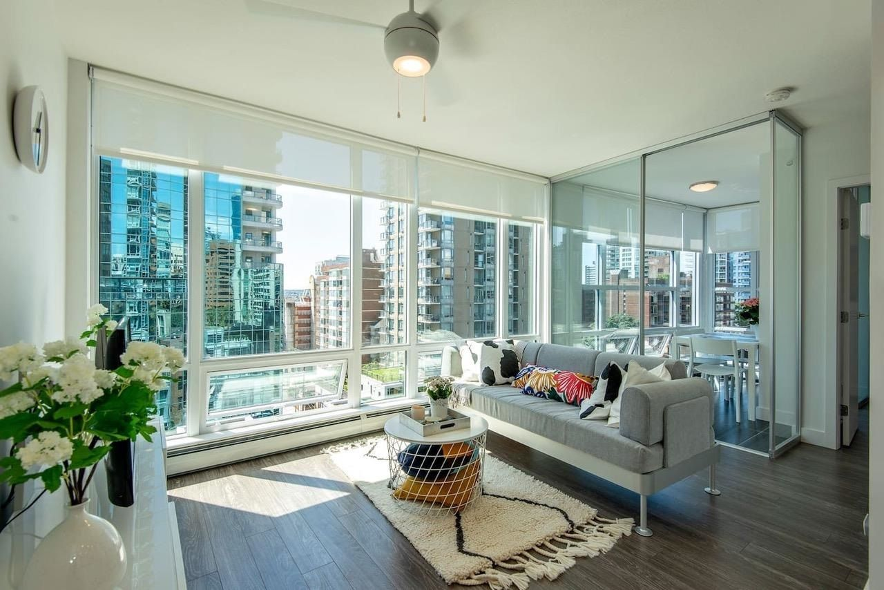"""Main Photo: 1010 1283 HOWE Street in Vancouver: Downtown VW Condo for sale in """"Tate"""" (Vancouver West)  : MLS®# R2607707"""