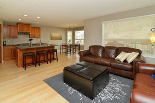 Photo 2: 36 EVERSYDE Manor SW in Calgary: Evergreen House for sale : MLS®# C4143440
