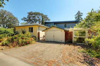Photo 18: 2501 Wootton Cres in : OB Henderson House for sale (Oak Bay)  : MLS®# 882691