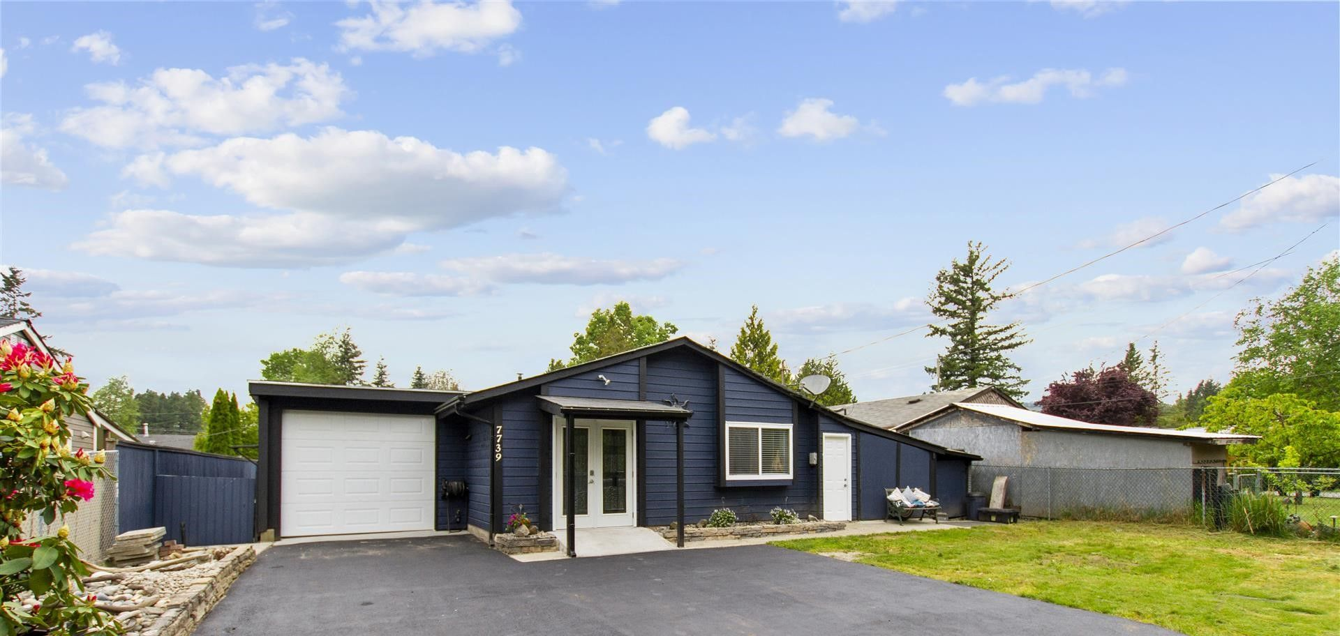 Main Photo: 7739 SWIFT Drive in Mission: Mission BC House for sale : MLS®# R2581709