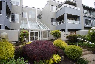 """Photo 13: 109 125 W 18TH Street in North Vancouver: Central Lonsdale Condo for sale in """"Ashton Place"""" : MLS®# R2455958"""