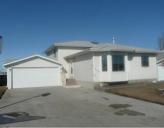 Photo 1: 258 MAPLE GROVE Crescent: Strathmore Residential Detached Single Family for sale : MLS®# C3414444