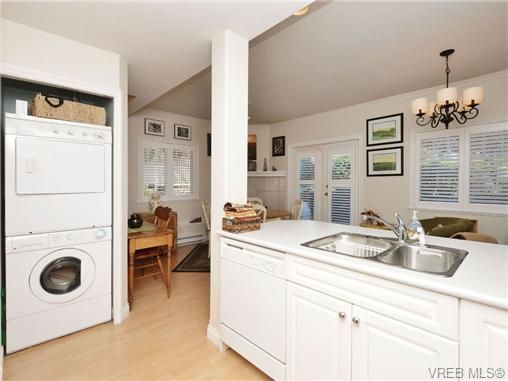 Photo 9: Photos: 2 225 Vancouver St in VICTORIA: Vi Fairfield West Row/Townhouse for sale (Victoria)  : MLS®# 699891