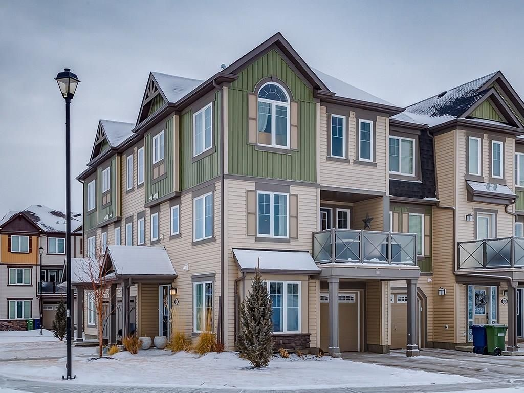 Main Photo: 100 WINDSTONE Link SW: Airdrie House for sale : MLS®# C4163844