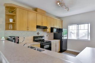 """Photo 8: 26 18181 68 Avenue in Surrey: Cloverdale BC Townhouse for sale in """"Magnolia"""" (Cloverdale)  : MLS®# R2061851"""