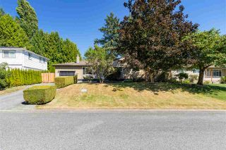 "Photo 3: 7890 110 Street in Delta: Nordel House for sale in ""Nordel"" (N. Delta)  : MLS®# R2488855"