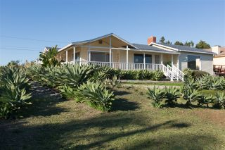 Photo 3: OCEANSIDE House for sale : 3 bedrooms : 2020 Stewart Street