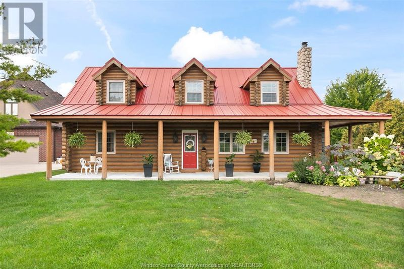 FEATURED LISTING: 2122 FRONT Road North Amherstburg