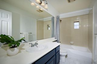 Photo 19: House for sale : 4 bedrooms : 7902 Vista Palma in Carlsbad