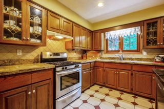 """Photo 9: 20946 43 Avenue in Langley: Brookswood Langley House for sale in """"Cedar Ridge"""" : MLS®# R2593743"""