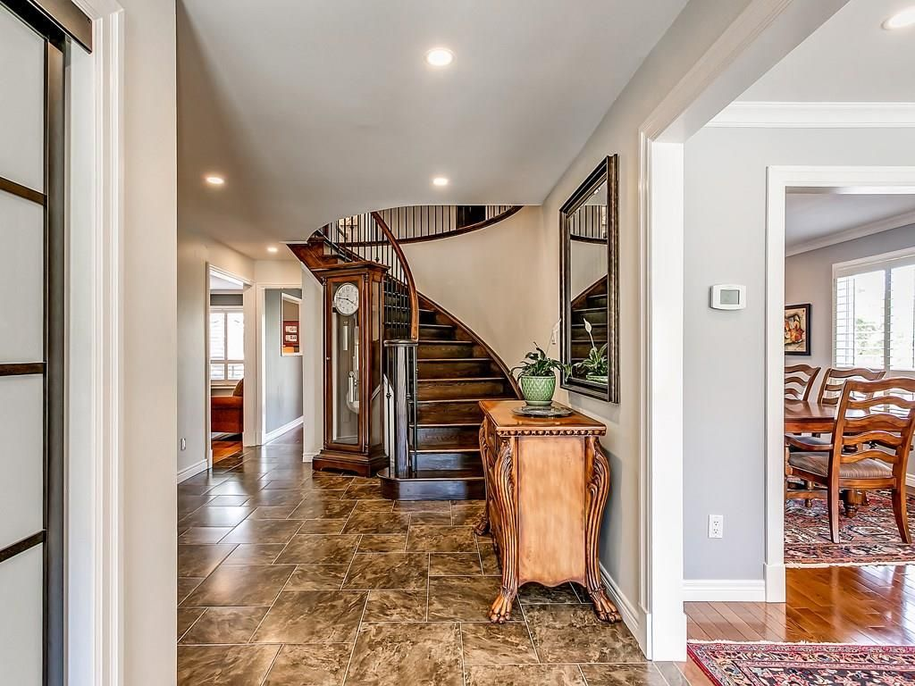 Photo 2: Photos: 2025 SUMMER WIND Drive in Burlington: Residential for sale : MLS®# H4030696