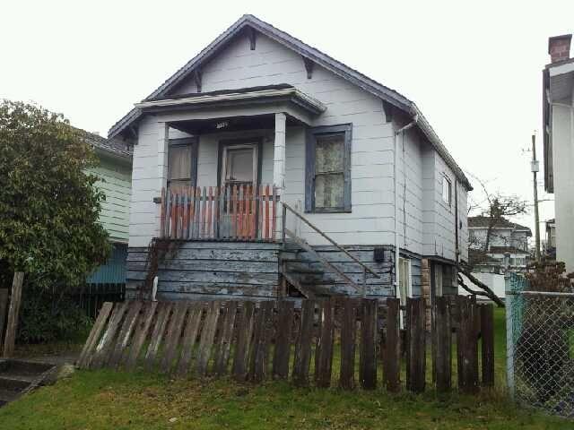 Photo 1: Photos: 3323 Parker Street in Vancouver: Renfrew VE House for sale (Vancouver East)  : MLS®# V931155