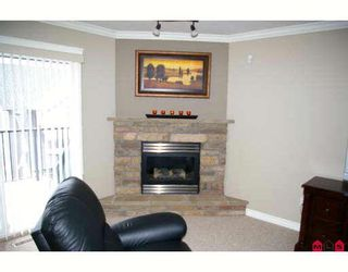 """Photo 2: 9 5965 JINKERSON Road in Sardis: Promontory Townhouse for sale in """"EAGLE VIEW RIDGE"""" : MLS®# H2802676"""
