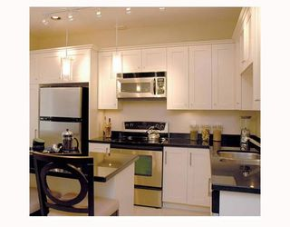 """Photo 7: 401 4025 NORFOLK Street in Burnaby: Central BN Townhouse for sale in """"NORFOLK TERRACE"""" (Burnaby North)  : MLS®# V647179"""