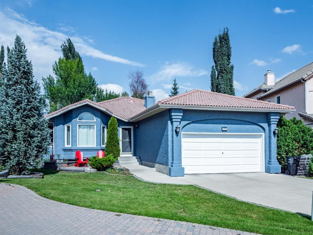 Main Photo: 256 Sirocco Place SW in Calgary: Signal Hill Detached for sale : MLS®# A1143867