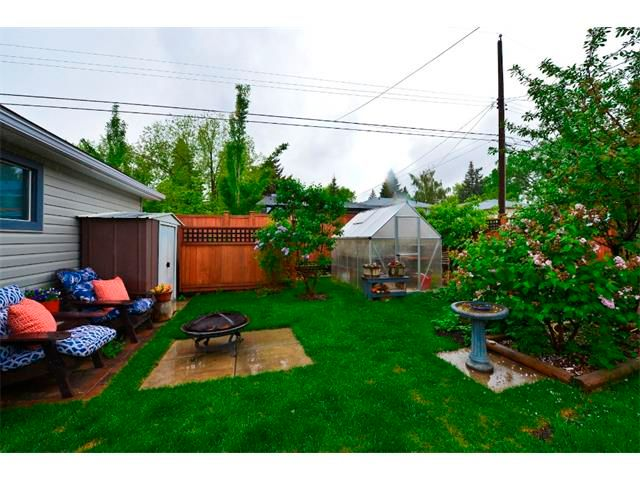 Photo 20: Photos: 5919 THORNTON Road NW in Calgary: Thorncliffe House for sale : MLS®# C4015197