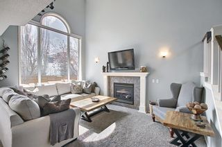 Photo 4: 10823 Valley Springs Road NW in Calgary: Valley Ridge Detached for sale : MLS®# A1107502