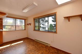 Photo 17: 221 SECOND Street in Gibsons: Gibsons & Area House for sale (Sunshine Coast)  : MLS®# R2259750