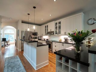 Photo 5: 2722 7 Avenue NW in Calgary: West Hillhurst Semi Detached for sale : MLS®# A1098614