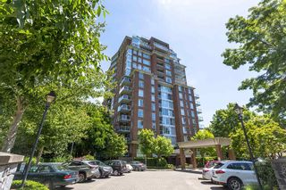 "Photo 2: 907 5615 HAMPTON Place in Vancouver: University VW Condo for sale in ""BALMORAL"" (Vancouver West)  : MLS®# R2521263"