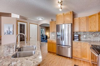 Photo 11: 67 EVERSYDE Circle SW in Calgary: Evergreen Detached for sale : MLS®# C4242781