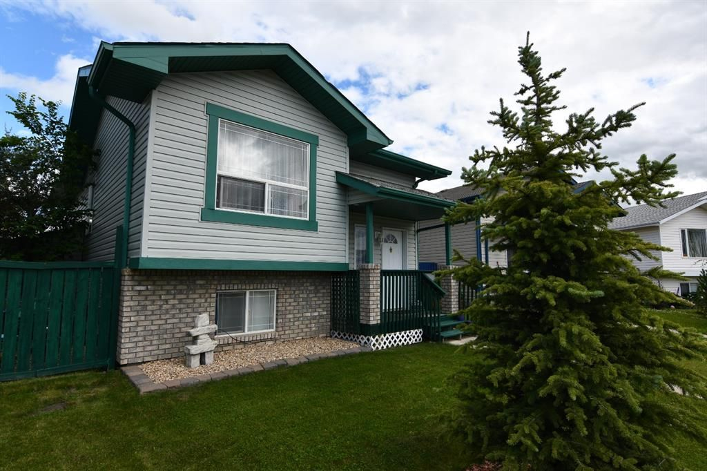 Main Photo: 31 Durand Crescent: Red Deer Detached for sale : MLS®# A1126616