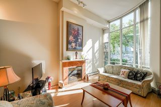 """Photo 8: 112 1228 MARINASIDE Crescent in Vancouver: Yaletown Townhouse for sale in """"CRESTMARK TWO"""" (Vancouver West)  : MLS®# R2609397"""