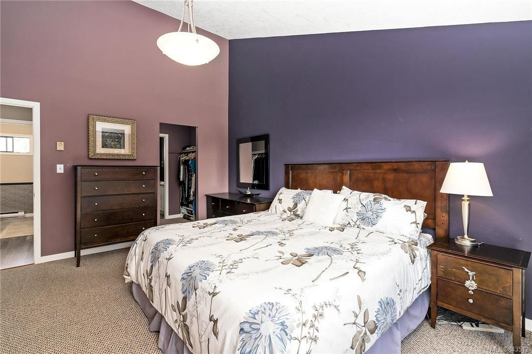 Photo 27: Photos: 950 Easter Rd in Saanich: SE Quadra House for sale (Saanich East)  : MLS®# 843512