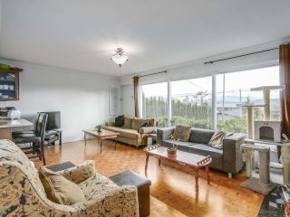 Photo 3: 921 ROSLYN BOULEVARD in North Vancouver: Dollarton House for sale : MLS®# R2487942