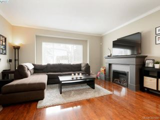 Photo 2: 1284 Parkdale Creek Gdns in VICTORIA: La Westhills House for sale (Langford)  : MLS®# 795585