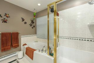 """Photo 25: 1148 STRATHAVEN Drive in North Vancouver: Northlands Townhouse for sale in """"Strathaven"""" : MLS®# R2579287"""