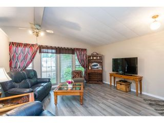 """Photo 7: 74 9080 198 Street in Langley: Walnut Grove Manufactured Home for sale in """"Forest Green Estates"""" : MLS®# R2457126"""