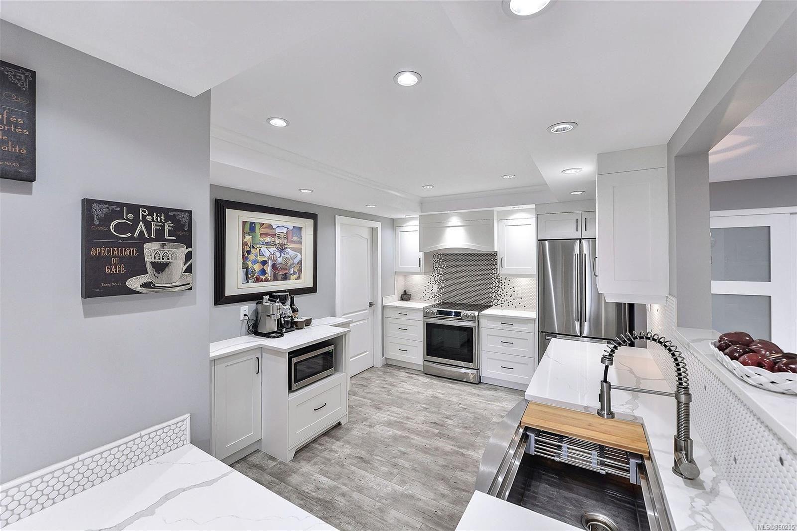 Photo 12: Photos: 204 630 Montreal St in : Vi James Bay Condo for sale (Victoria)  : MLS®# 860205