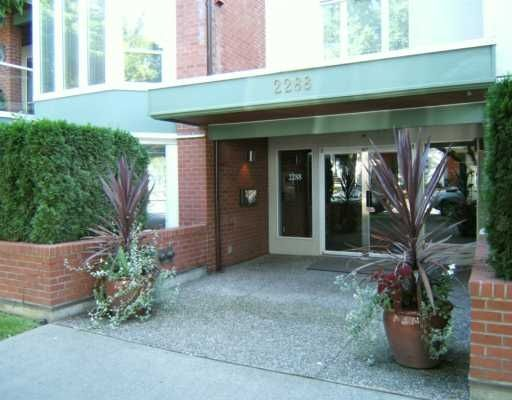 Main Photo: 303, 2288 West 12th Ave in Vancouver: Kitsilano Condo for sale (Vancouver West)  : MLS®# V613129