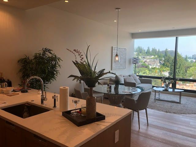 Photo 2: Photos: 502-1355 Bellevue Ave in West Vancouver: Ambleside Condo for rent