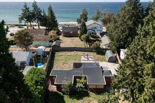 Photo 1: 4673 WHITAKER Road in Sechelt: Sechelt District Manufactured Home for sale (Sunshine Coast)  : MLS®# R2617779
