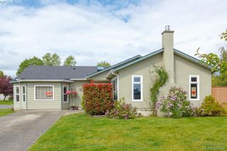 Photo 1: 9624 Barnes Pl in SIDNEY: Si Sidney South-West House for sale (Sidney)  : MLS®# 839845