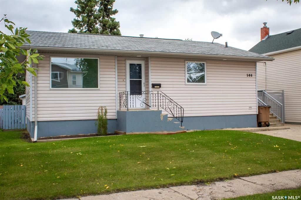 Main Photo: 508 Stovel Avenue West in Melfort: Residential for sale : MLS®# SK868424