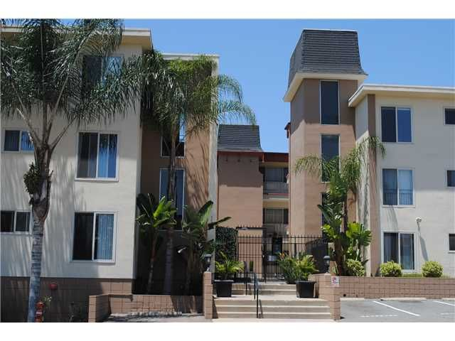Spacious Condo in Gated Comminity in centrally located NORTH PARK