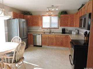 Photo 6: 391 Circlebrooke Drive in Yorkton: South YO Residential for sale : MLS®# SK846299