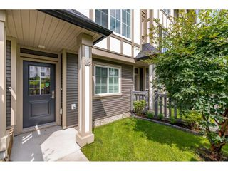 "Photo 2: 105 30989 WESTRIDGE Place in Abbotsford: Abbotsford West Townhouse for sale in ""Brighton"" : MLS®# R2472362"