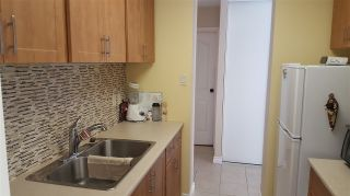 """Photo 2: 906 4300 MAYBERRY Street in Burnaby: Metrotown Condo for sale in """"Times Square"""" (Burnaby South)  : MLS®# R2164756"""