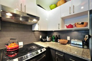 Photo 5: 1004 14 BEGBIE STREET in New Westminster: Quay Condo for sale : MLS®# R2219894
