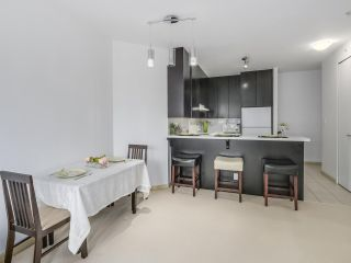 """Photo 8: 408 7368 SANDBORNE Avenue in Burnaby: South Slope Condo for sale in """"MAYFAIR 1"""" (Burnaby South)  : MLS®# R2380990"""